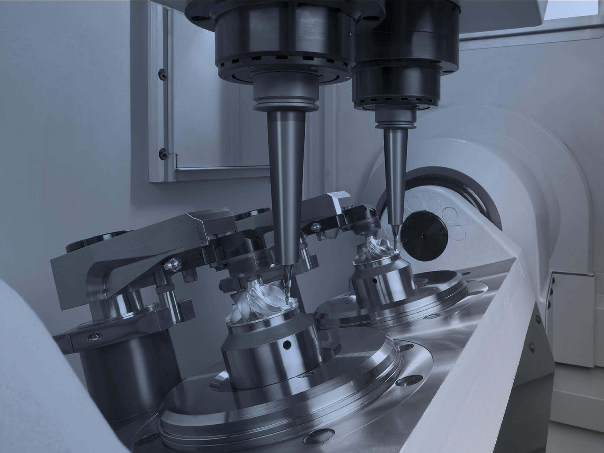 Single or double-spindle machining centres