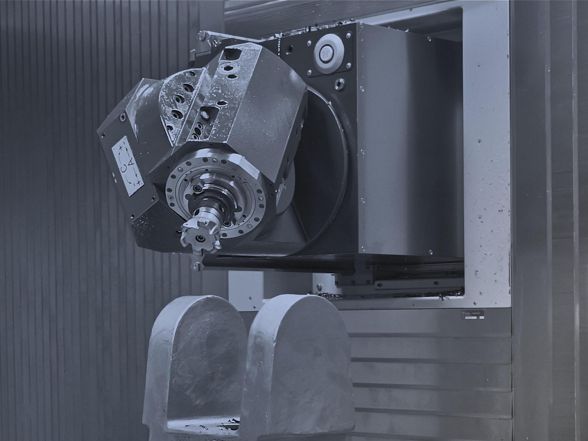 Bohr-/Fräszentren mit Schwenkkopfspindel